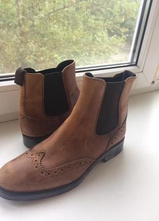 Ботинки челси кожаные фирменные италиия