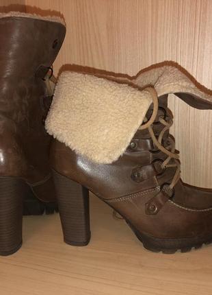 Кожаные ботинки, сапожки