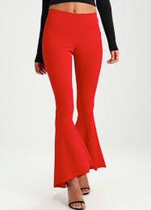 Идеальные ярко-красные высокие брюки с воланами снизу
