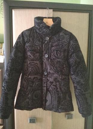 Красива тепла куртка
