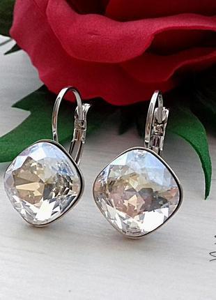 Серьги с кристаллами сваровски бриллиантовой огранки