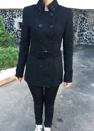 Драповое чёрное пальто