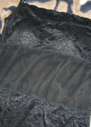 Красивая маечка с кружевом черного цвета 44 размера