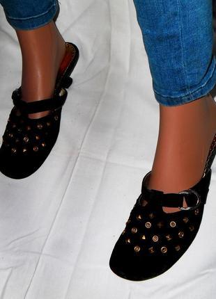 Акция! женские, черные, нубуковые босоножки, туфли с заклепками bole shoes