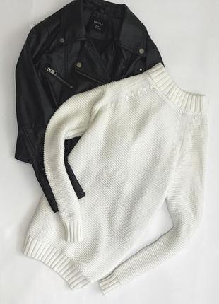 Крутий молочний подовжений светр