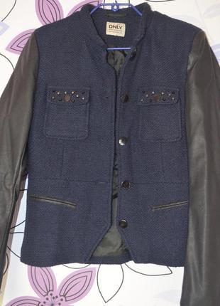 Куртка-пиджак с кожанными рукавами от only