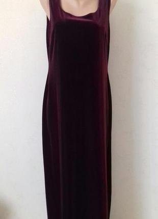 Красивое нарядное велюровое платье большого размера wallis