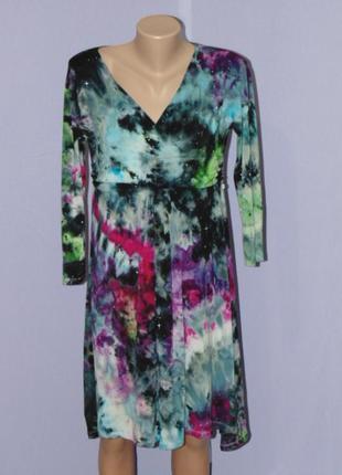 Красивое платье в стиле батик futuro