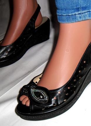 Акция! женские, черные босоножки, сандали на платформе с узором bosido