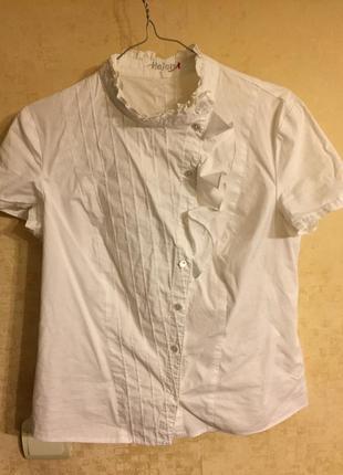 Цікава блузка на короткий рукав