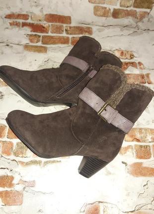 Утепленные деми ботинки. р 37.маленький каблук