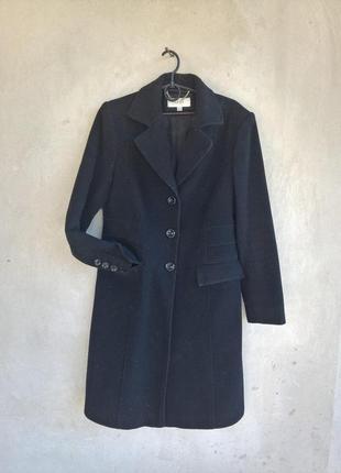 Фірмове зимове пальто