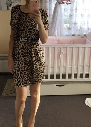 Легкое тигровое платье