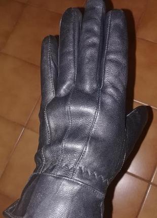 Тёплые кожаные перчатки