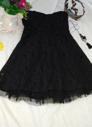 Черное гипюровое короткое платье