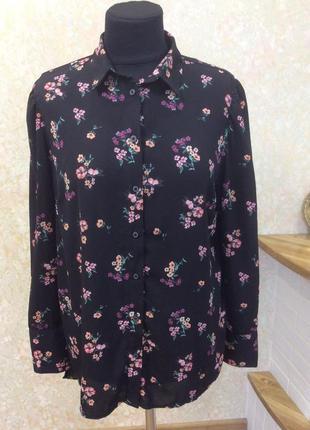Блуза чёрная с цветами