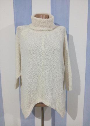 Гарний светр в стилі бохо