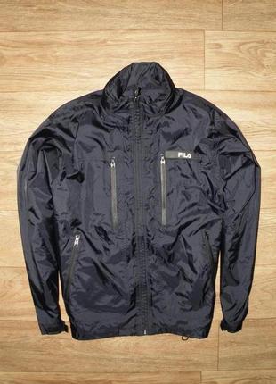 Классная , качественная курточка от fila м размер