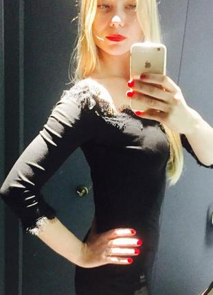 Классное платье с кружевом