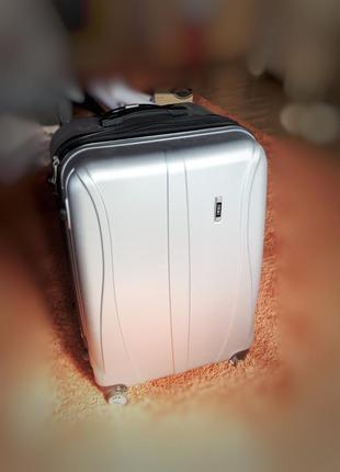 Большой чемодан ormi