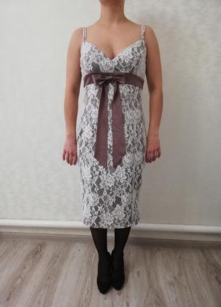 Красивое изысканное кружевное платье