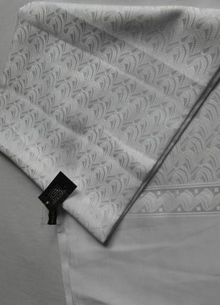 Мужской шарф белого цвета