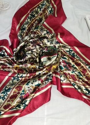 Красивый стильный платок