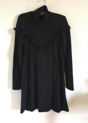 Сукня з рюшею