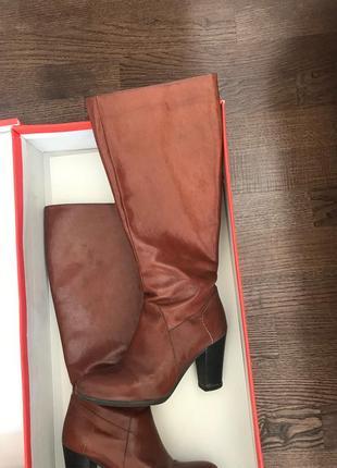 Элегантные рыжие сапоги до колена