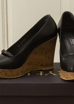 Туфли на платформе кожа пробка