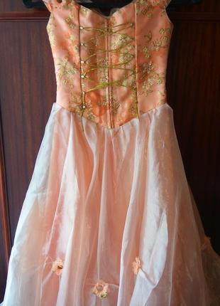 Отличное бальное платье на девочку в садик3 фото