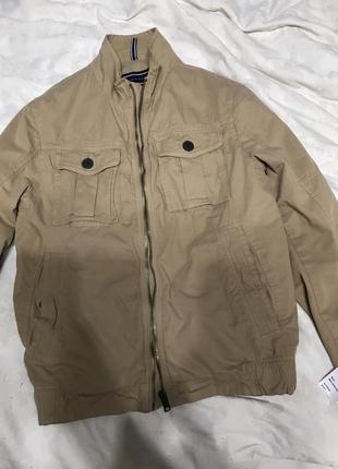 Новая  куртка бомбер фирменная. цена снижена