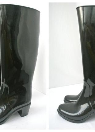 Стильные и модные резиновые сапоги на каблуке.размер 37.