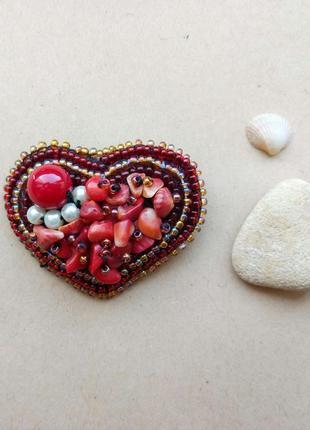 Кораловая, красная брошь, брошка, значок из бисера, вышивка