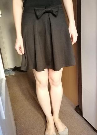 Стильная мини юбка колокольчик. мини юбка в складки