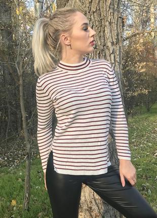 Свитер в полоску , стильный свитер