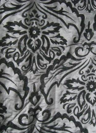 Покрывало черное стеганое с рисунком вензель