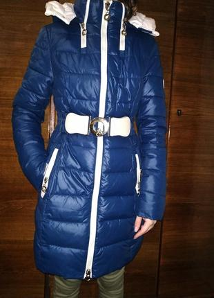 Зимняя удлиненная курточка + шапка и шарф