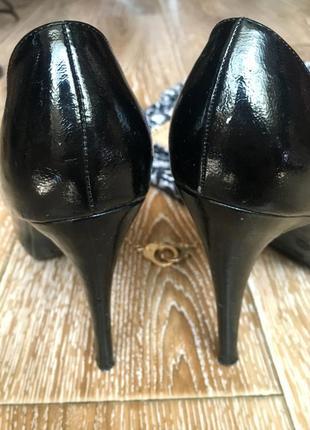 Черные лаковые туфли4 фото