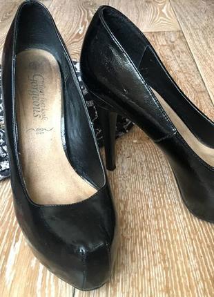 Черные лаковые туфли5 фото