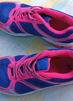 В подарок 🎁 за покупку любой вещи из моего профиля - детские яркие спортивные кроссовки