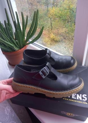 Эксклюзивные кожаные туфли dr. martens с пряжкой ,35 размер