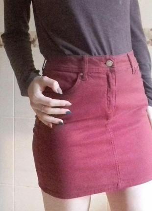 Бордовая мини юбка