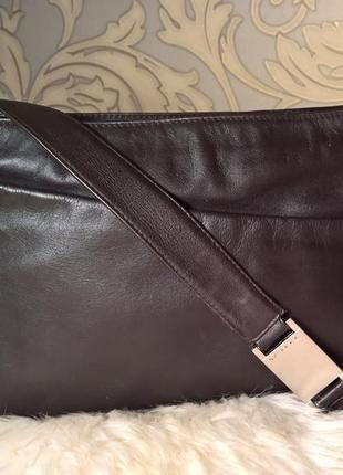 Кожаная сумка через плечо tula.