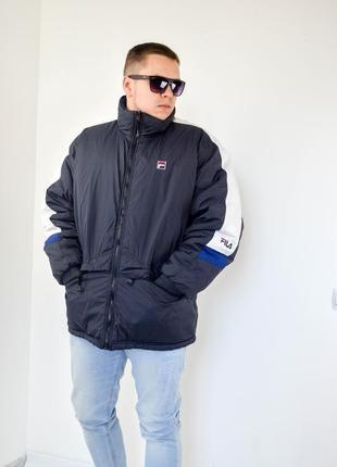 Fila двусторонняя дутая куртка синего и черного колор-блок цвета
