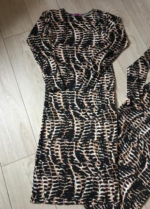 Платье миди по фигуре чулок футболка
