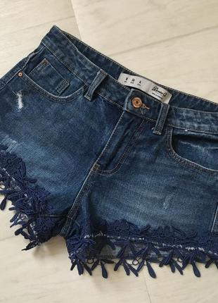 Красивые стильные джинсовые шорты denim co