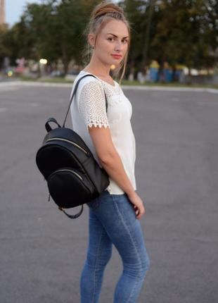 Молодёжный женский рюкзак чёрный для учебы, прогулок, спортзала