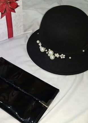 Фетровая черная шляпа котелок