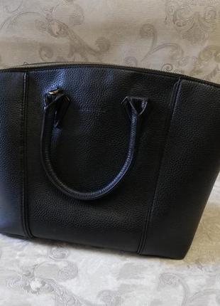 Стильная сумка  с короткими ручками